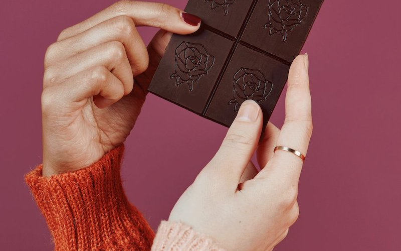 Rosebud CBD, CBD chocolate bar, dark chocolate can reduce the risk of heart disease lowers blood pressure and inflammation
