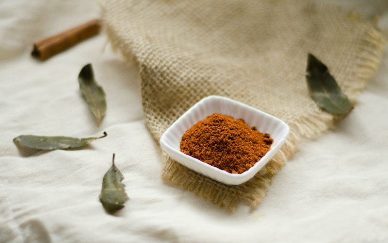 Cinnamon is high in antioxidants, Taking cinnamon as a supplement can improve circulation, cinnamon curbs cravings, cinnamon speeds up  metabolism